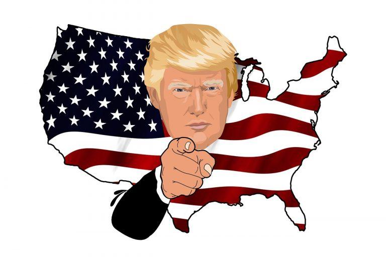 """טראמפ על רקע ארה""""ב"""